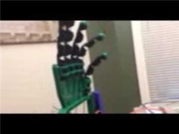 Ezang's My New Robot Hand To Practice With - Video