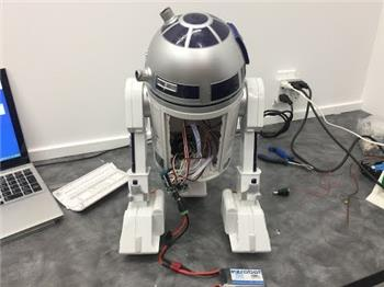 DJ's Hasbro R2d2 Hacked With Iotiny