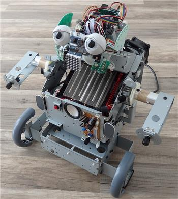 Smarty's Combot - The Ez-Robot Computer System