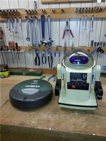 Jer361's Romni The Omnibot/Roomba Hack