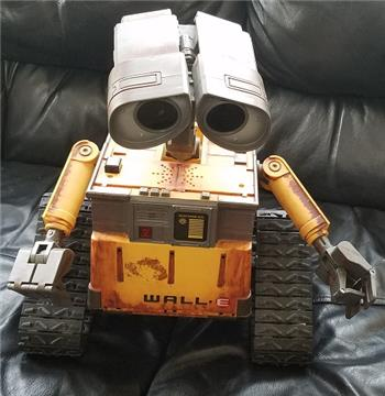 "18"" Ultimate Wall-E On Ebay Ends Today, Good Project"